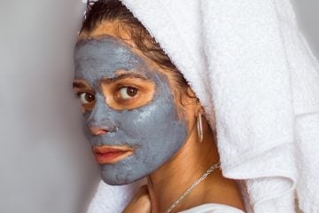 BENEFITS OF INCLUDING A CHARCOAL MASK IN YOUR SKINCARE ROUTINE